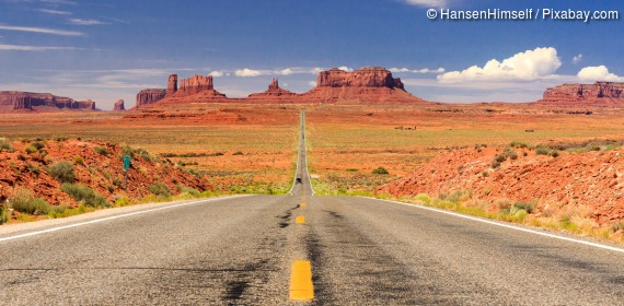 Highway im Monument Valley